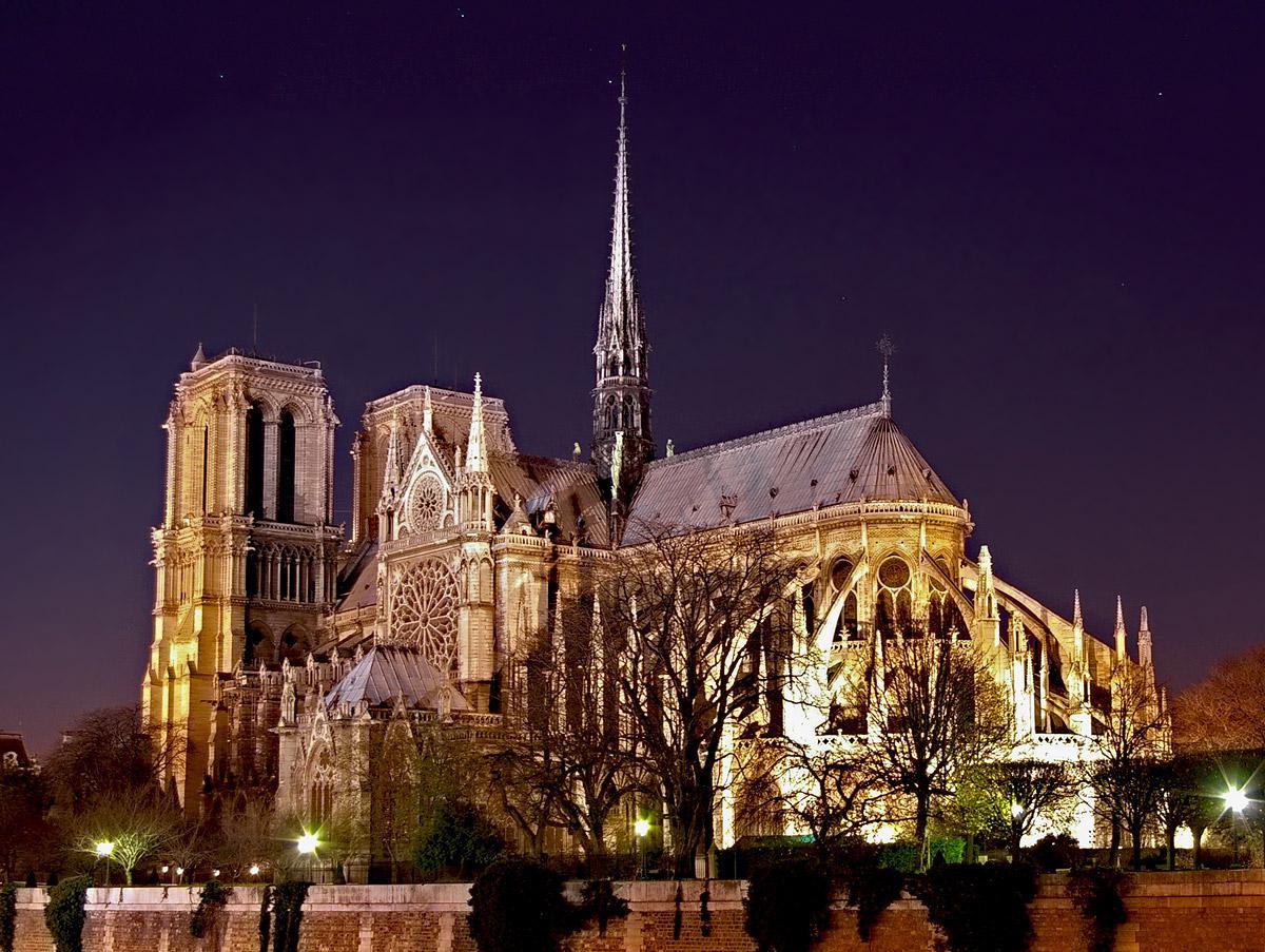 Notre-Dame de Paris-gramada
